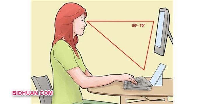 jarak pandang antara mata dengan layar monitor yang baik