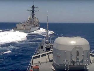 Kapal Perusak AS Pepet Kapal Rusia