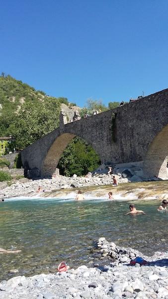 SPIAGGIA-SUL-TREBBIA-SOTTO-AL-PONTE-GOBBO
