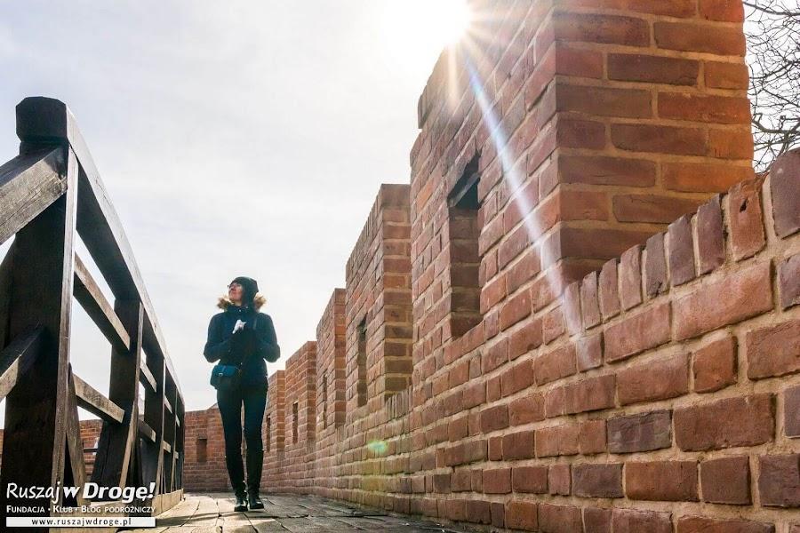 Spacer po murach obronnych
