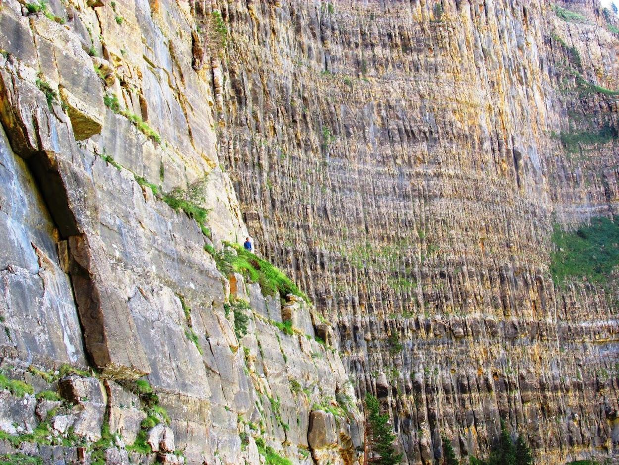 Lazarow World-Hike-About: 23 15 Tozal de Mallo, a trail of