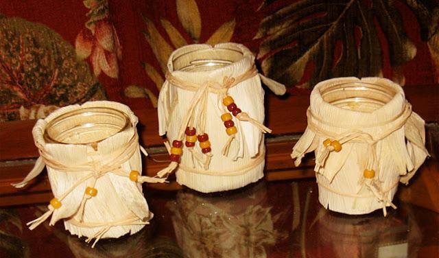 Vas bunga dari kulit jagung