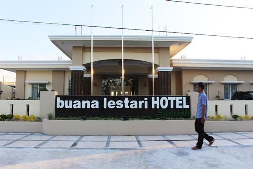 Namun Sekarang Di Sekitar Bandara International Minangkabau Padang West Sumatra Sudah Tersedia Hotel Bintang 2 Yang Harganya Tidak Murah