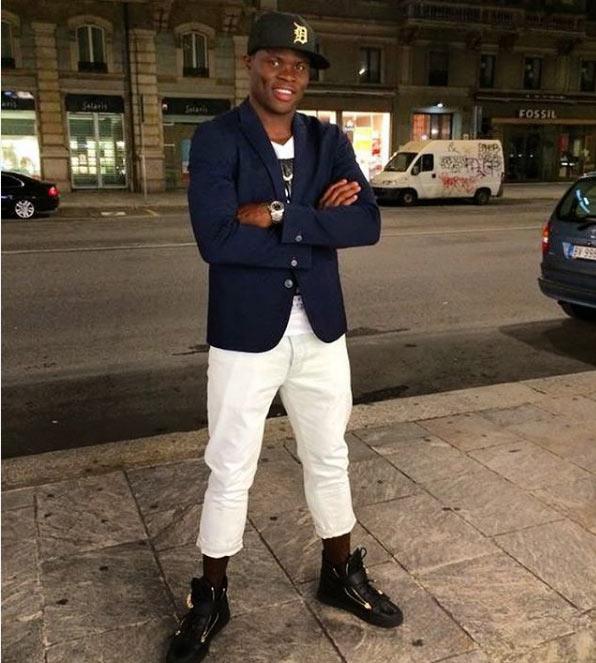 Cool or trashy? Taye Taiwo rocks 3-quarter shorts and jacket