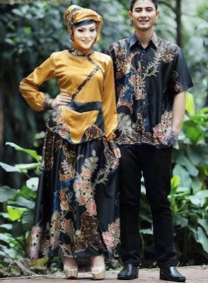 Desain baju pasangan muslim kombinasi hijab dan batik