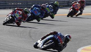 Lorenzo Menang bersama Yamaha