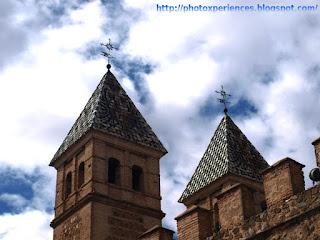 Torres de la Puerta de la Bisagra, en Toledo.