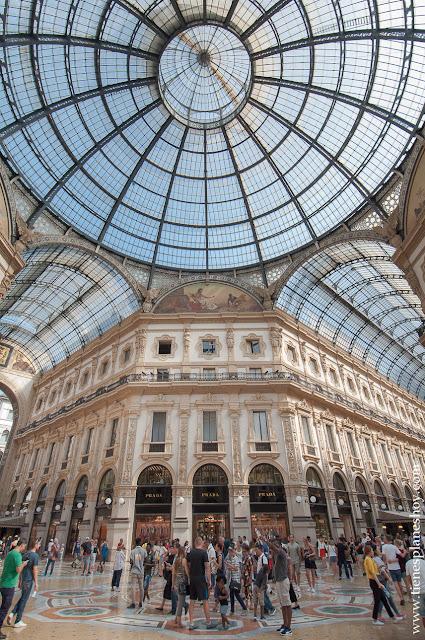 Galerias Vittorio Enmanuelle II visitas turismo MIlan Italia