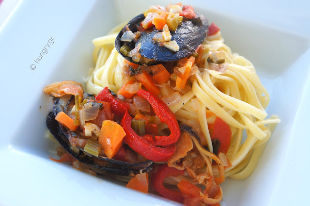 Linguine with Mussels & Fresh Vegetables