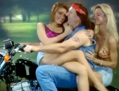 Al Bundy als Rocker auf Motorrad lustig