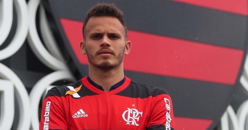 1e63427466 Flamengo vai ao mercado de olho em um novo lateral-esquerdo