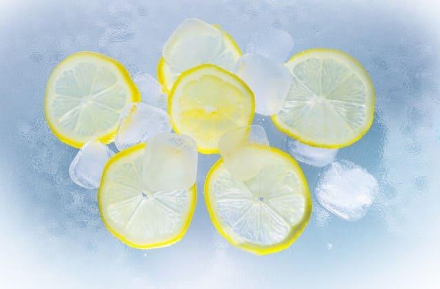 lemon untuk menghilangkan bekas jerawat di punggung