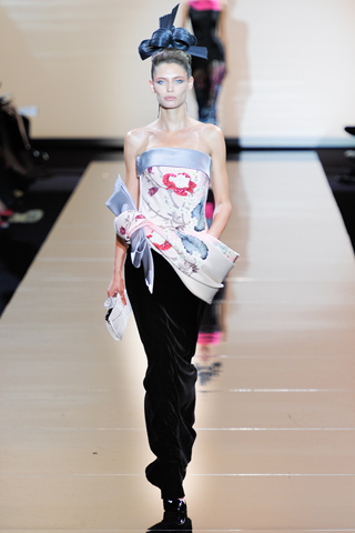 Runway report paris haute couture fashion week armani for How to become a haute couture designer