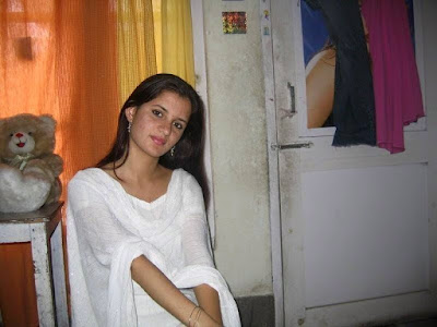 Desi Hot Cute Pakistani Shalwar Kameez Sexy Girls Fashion 2016 Photos