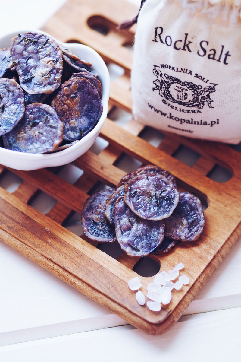 chipsy z fioletowych ziemniaków