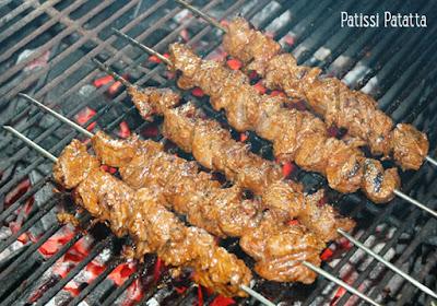 boeuf mariné au barbecue, cuisiner au barbecue, brochettes au barbecue