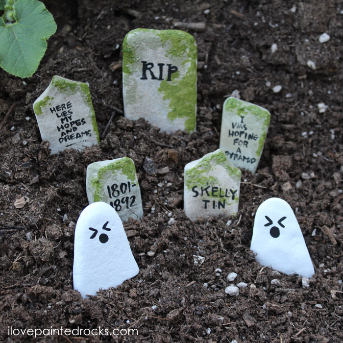 Rock painting for beginners - perfect for Halloween, ghosts and gravestone painted rocks #paintedrocks #rockpainting