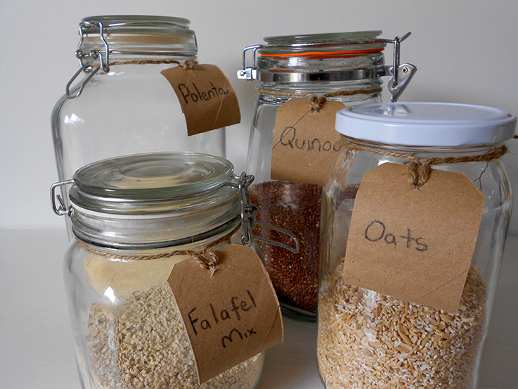 Make upcycled food labels for your plastic free and zero waste