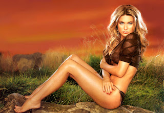 Super Hot Smooth Legs Of Carmen Electra For Desktop