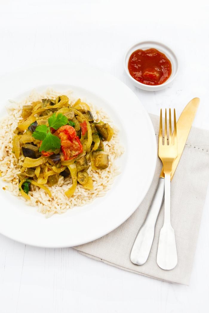 Aubergine and Onion Masala (a vegan eggplant crock-pot curry recipe)
