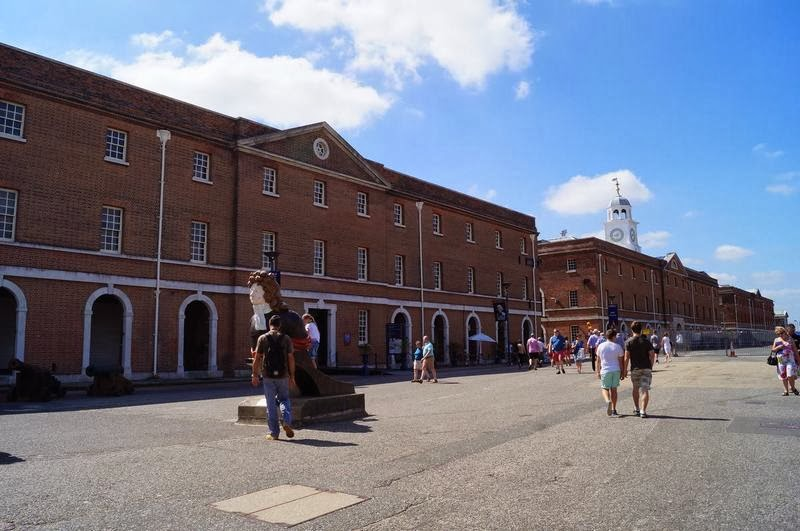 Royal naval museum de Portsmouth, Portsmouth Historic Dockyard, puerto de Portsmouth,