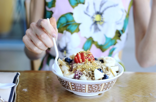 Top 10 things to do in Oahu- Diamond Head Cove Acai bowl