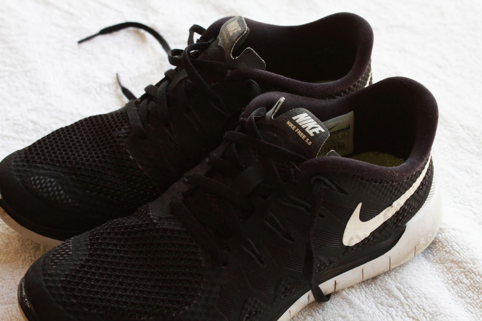 Women's Nike Free Run 5.0 Black and White
