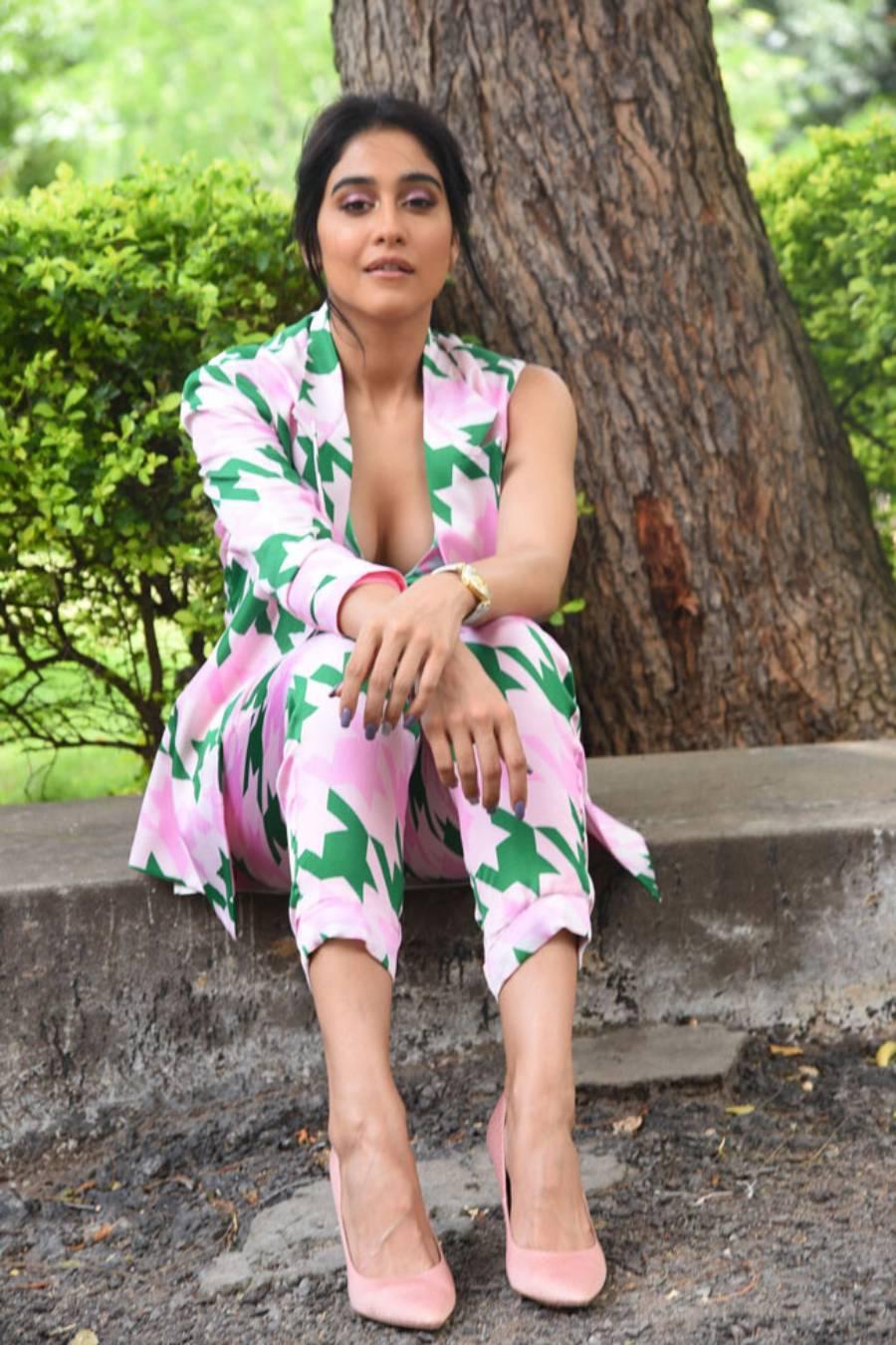 Indian Actress Regina Cassandra Hot at Evaru Press Meet