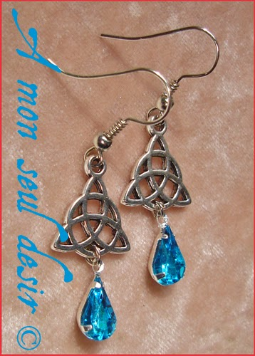Boucles d'oreilles celtique celte triquetra viking irlande bleu celtic knot irish earrings Rowena Blue