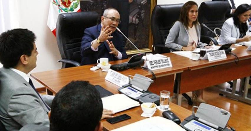 MINEDU: Congreso aprueba Concurso Anual de Nombramiento Docente para la Carrera Pública Magisterial [CRONOGRAMA 2018] www.minedu.gob.pe
