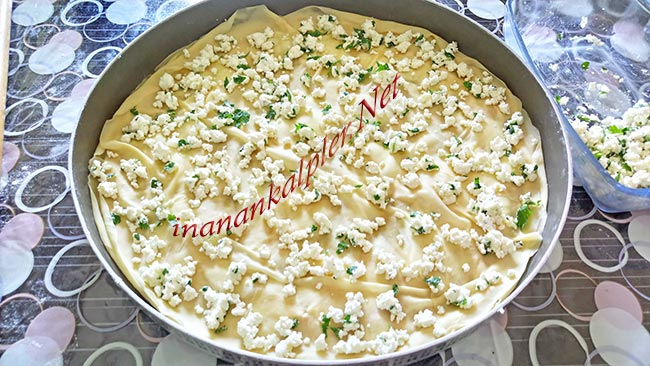 El Açması Peynirli Tepsi Böreği Nasıl Yapılır - inanankalpler.net