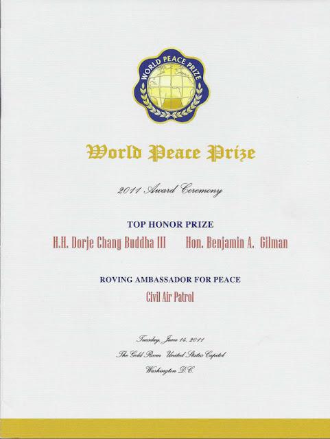 美參院決議通過表揚第三世多杰羌佛獲頒世界和平奬_奬狀證書