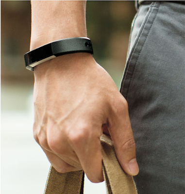 Alta fitness tracker A WRISTBAND THAT LETS YOU WEAR FITNESS YOUR WAY