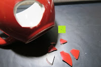 Loch in Tasse: Porzellan Teekannenservice von Original First Tea (Rot)