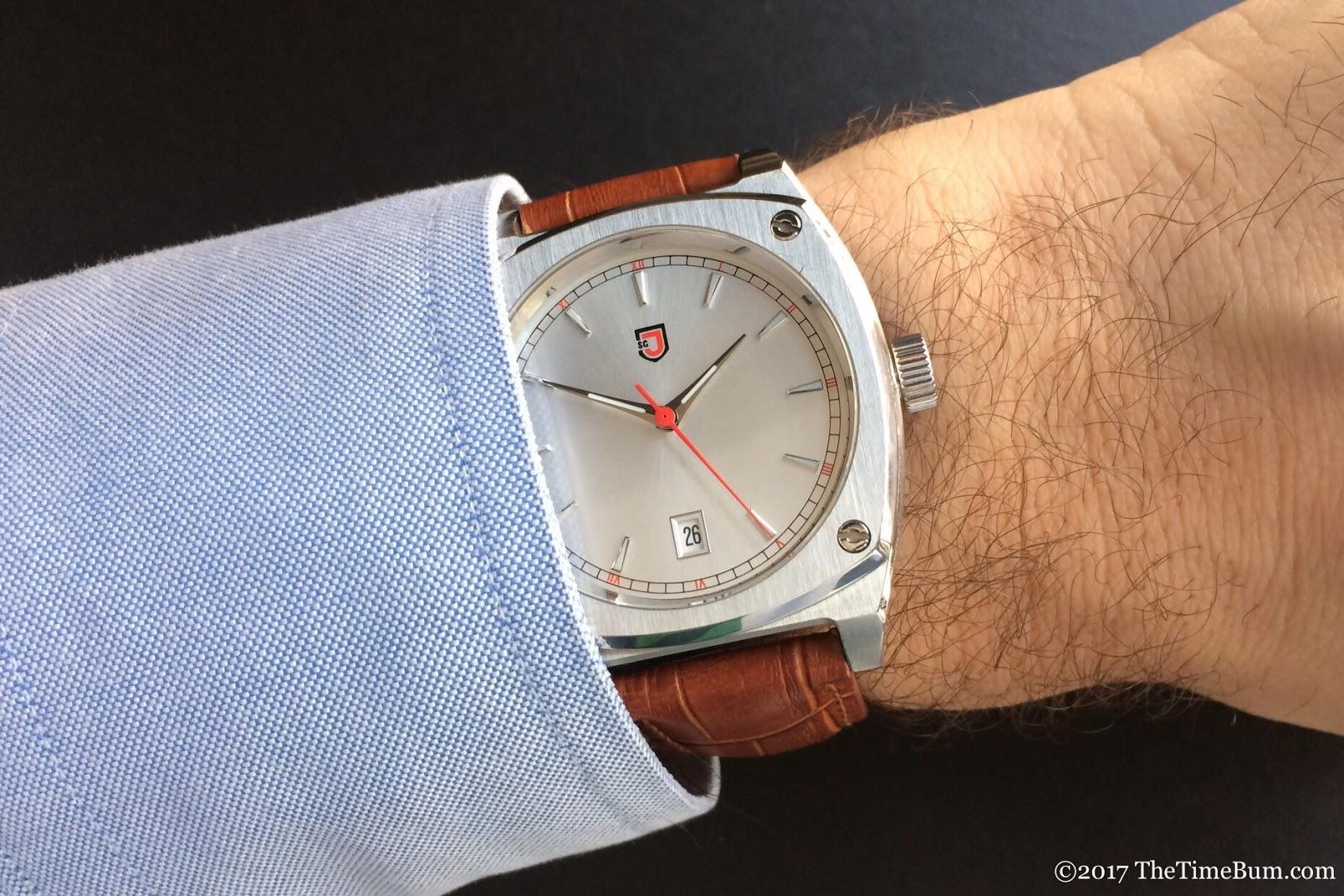 Jubilion Superellipse Silver  wrist