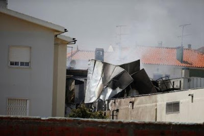 Plane crash kills 5 in Portugal supermarket