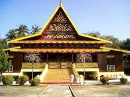 Keunikan-Rumah-Adat-Riau-Selaso-Jatuh-Kembar