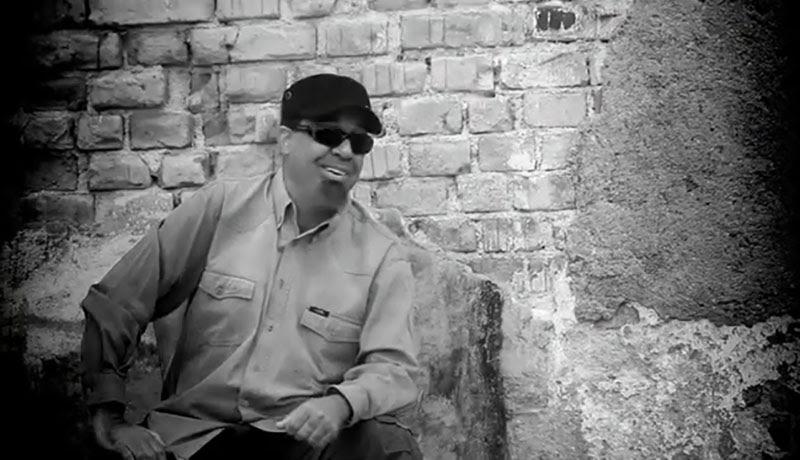 Emilio Morales - ¨El manisero¨ - Videoclip - Dirección: Rudy Mora - Orlando Cruzata. Portal Del Vídeo Clip Cubano - 07