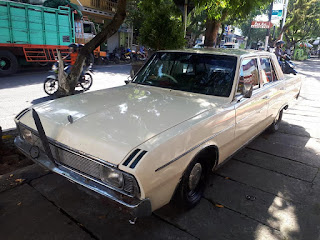 BURSA MOBIL KLASIK ONLINE : Chrysler Valiant Regal 1971
