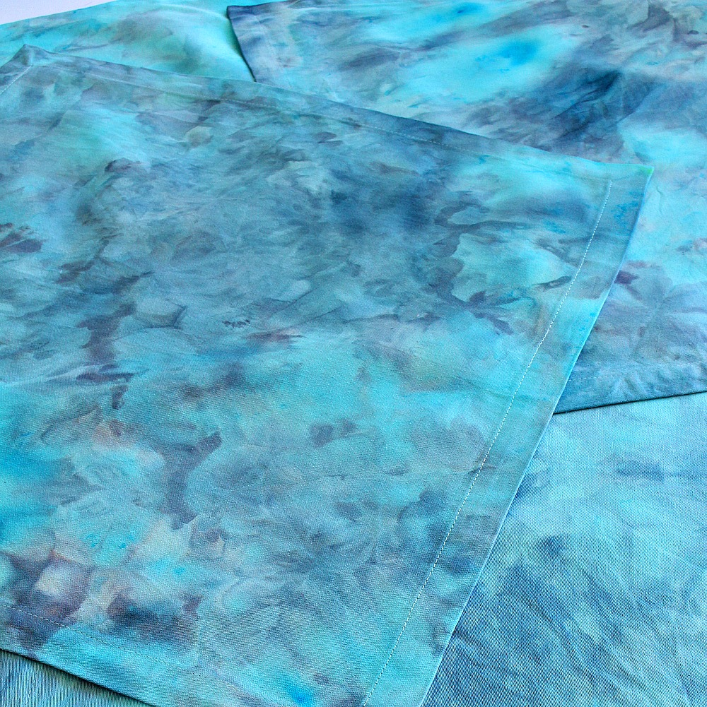 Easy DIY Fabric Dye Craft Idea // Ice Dyeing