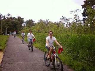 Strategi Pengembangan Desa Wisata Berbasis Kearifan Lokal