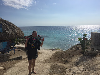 Playa Wachi, Snake bay, Curacao, sukeltaja, nainen, paratiisi