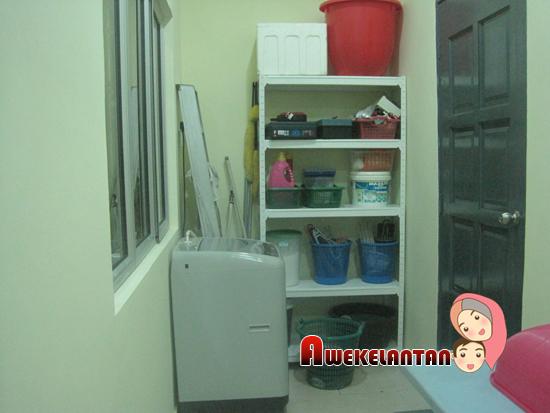 Ni Plak Ruangan Laundry Itu Shelf Beli Kat Ofis Masa Proses Pindah Mindah Ari Rm20 Jer Ngan Boss El X