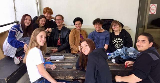 Άκουσε προσεκτικά Λαρισαίους νεολαίους η Γαλλιού σε συζήτηση για τις Ευρωεκλογές