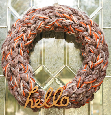 http://www.akailochiclife.com/2015/11/craft-it-arm-knit-fall-wreath.html