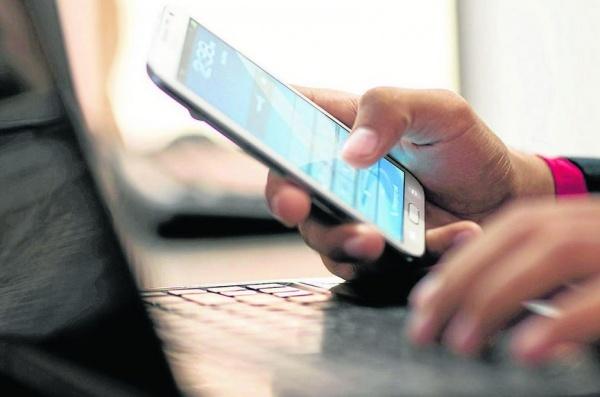 Menjual Pulsa Elektrik melalui Smart Phone