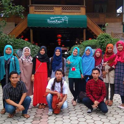 Palanta Roemah Kayoe || Wisata Kuliner Padang