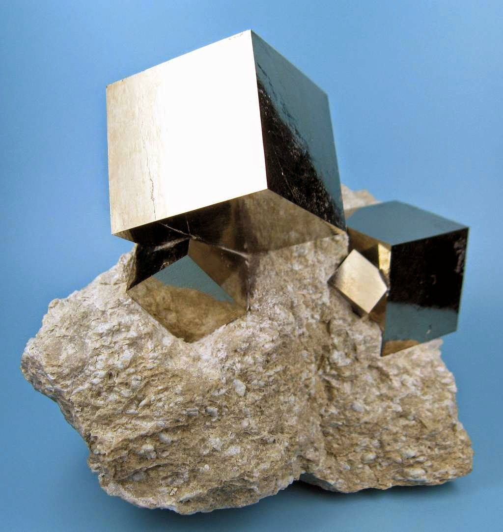 46 Unbelievable Photos That Will Shock You - Perfect Cubes of Pyrite Formed by Mother Nature
