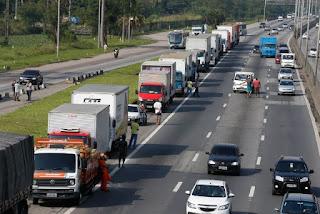 Greve dos caminhoneiros custará 15 bilhões