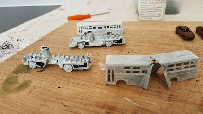 N Gauge buses and N Gauge cars picture 7